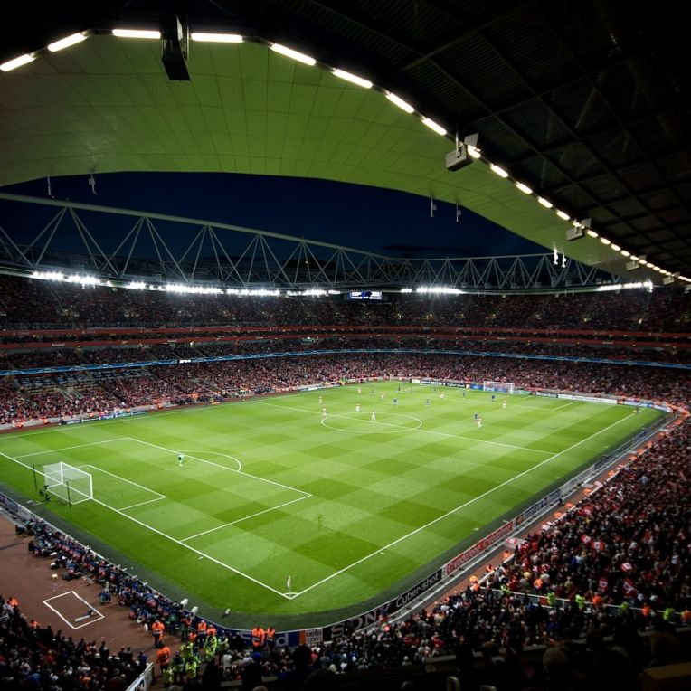champions-league-champions-league-emirates-stadium-emirates-stadium-the-field-rostrum-fans-arsenal-football-club-arsenal-football-club-the-gunners-gunners-football-sports